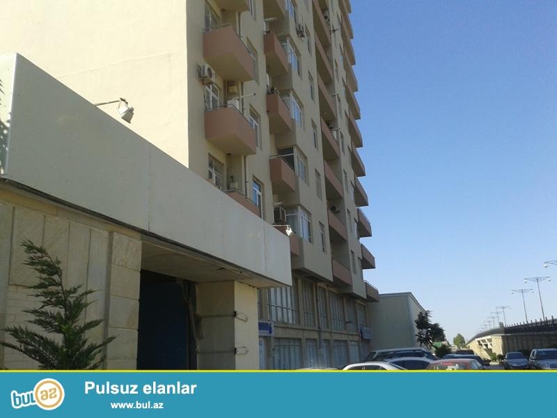 Продается 3-х комнатная квартира, по проспекту Зия Буниятзаде, общая площадь 144 кв...