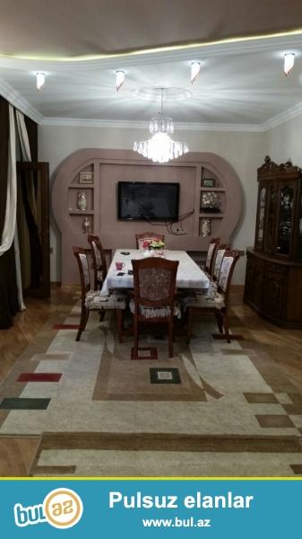 Masazir q.AAAF inşa etdiyi Villa Masazir kompleksinde 3 mertebeli 5 otaq 1 metbex 210 kv super temir villa satilir...