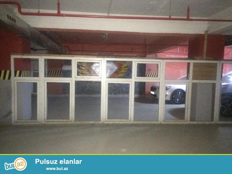Plastik pencereler satilir<br /> Olcu 158x175 sm<br /> Shushesizdir, 1 eded 50 manat