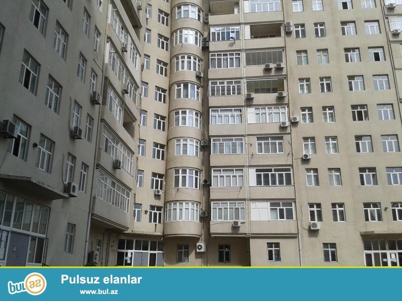 Продается 2-х комнатная квартира, по улице Тебриз, около ресторана Шуша, 3/17 этажной новостройки, общая площадь 105 кв...