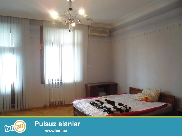 Сдается 3-х комнатная квартира на Насиминского районе, около бывшего гостинцы Гарабах...