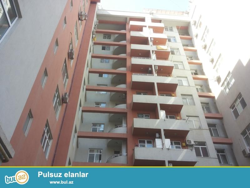 Продается 2-х комнатная квартира, недалеко от метро Азадлыг, по улице А...