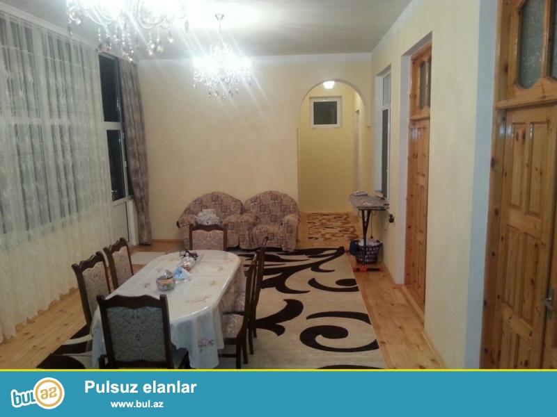 Очень срочно! В Мардакянах,рядом с Иджра Хакимияти  продаётся 1 этажный 4 комнатный частный дом площадью более 180 кв...