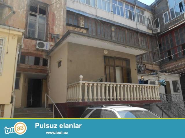 Сабаильский район, около станции метро Сахиль сдаётся 3-х комнатная квартира...