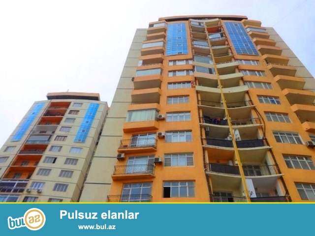 СРОЧНО!!!Продается  4-ех комнатная квартира<br /> на 8-ом микро районе,около Гранд маркета,по улице Джафар Хандан...