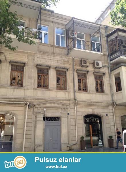 Сабаильский район, около Дом Совета сдаётся 3-х комнатная квартира...