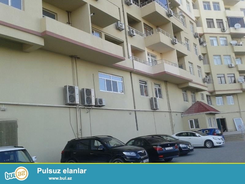 Продается 4-х комнатная квартира, по проспекту Азадлыг, 6/14 этажной новостройки, общая площадь 165 кв...