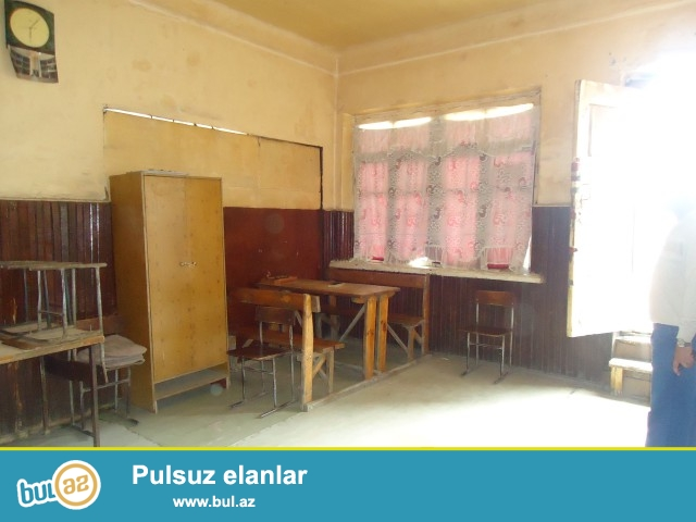 RAFIQ Sabunçu rayonu Zabrat 1 qəsəbəsi dəmir yolu stansiyasına yaxın ümumi sahəsi 60 kv...