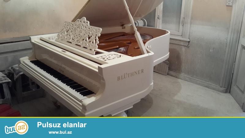 aq rengli kabinet royali  ve qehveyi rengli fantaziya pianinosu