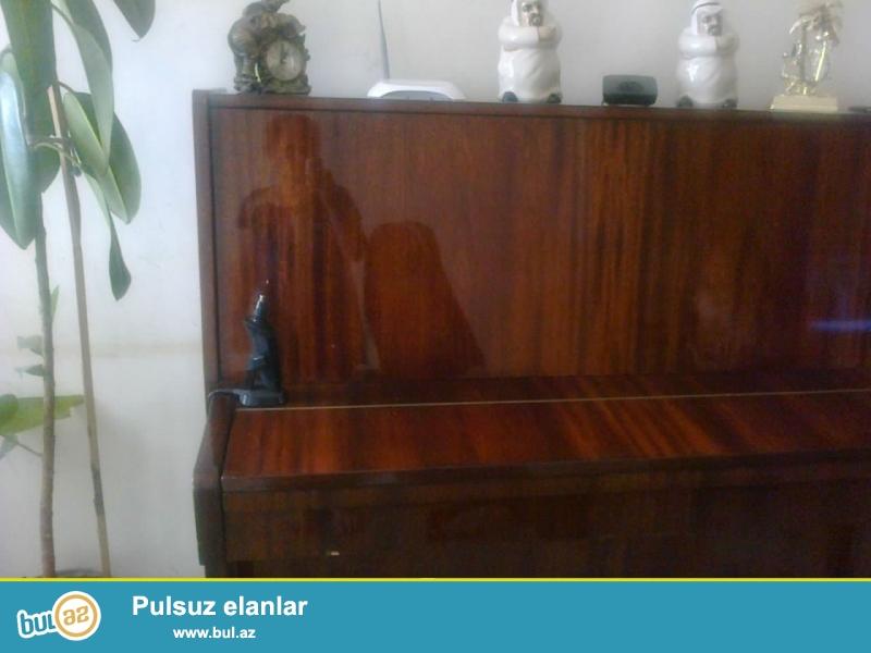 Oz evimizde ishletdiyimiz pianinodur. tecili satilir.