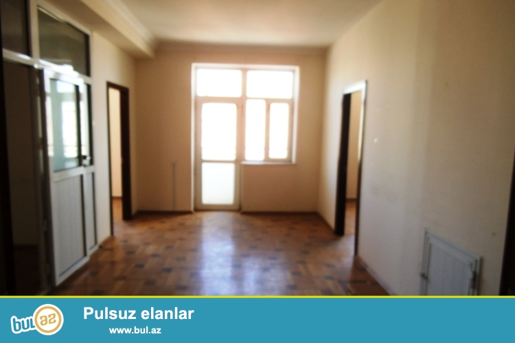 Сдается 8 комнатное помещение в новостройке под офис в центре города, около метро Элмляр Академиясыю 14/14...