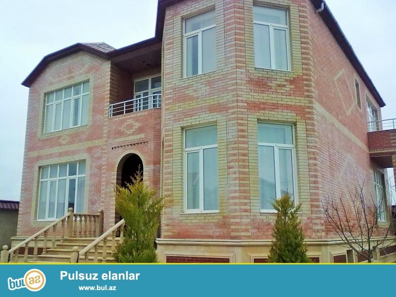 Срочно! В Шуваланах , за Зиярятгахом  продается, ново построенный  с  ремонтом в  стиле классика ,  расположенная на  30 сотках земли,  2-х этажный, площадью 480 квадрат, 5-и комнатный особняк...
