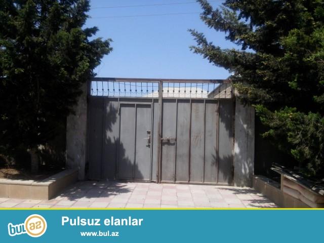 RUSLAN  Xəzər rayonu, Buzovna qəsəbəsi, Şəlalə və Şahbulağ restoranının yaxınlığında 12 sot bağ sahəsində 2 otaqlı kuxnadan ibarət olan ev satılır...