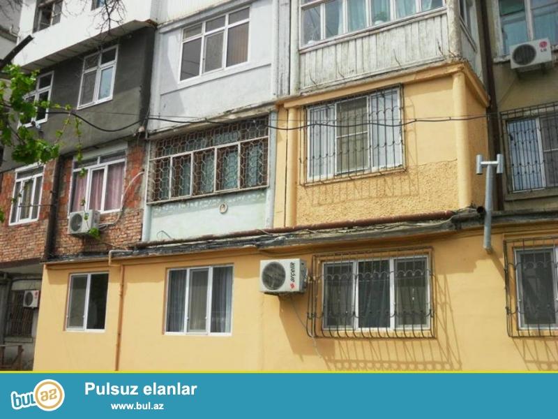 На пр. Строителей, около ЦСУ продается 3-х комнатная квартира, каменный дом,  5/1, общая площадь 65 кв...