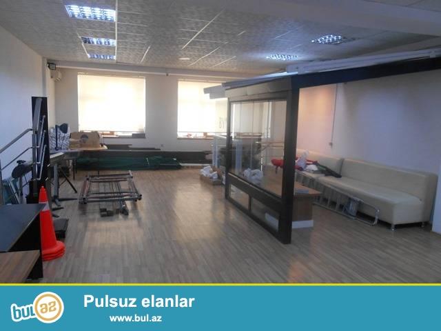 Nəsimi rayonu, Nəsimi Rayon Polis bölməsi yaxınlıqında, yeni tikilidə ofis icarəyə verilir...