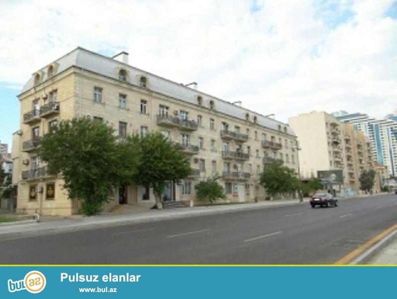 Продается 2-х комнатная квартира, по проспекту Нобеля, проект сталинка, каменный дом, 4/4, общая площадь 60 кв...
