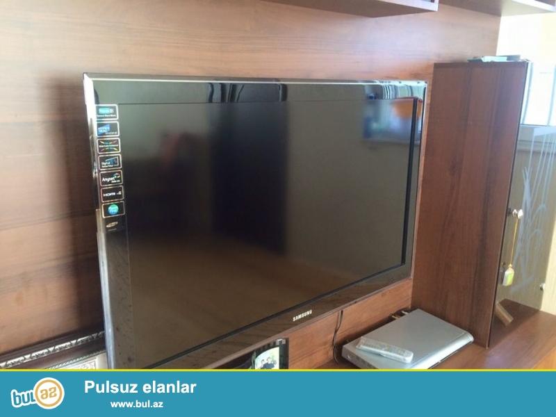 Samsung 40 duyum LCD monitor 102 ekran tecili satilir ucuz , cemi 6 ayin Televizorudur qiymeti 400 Manat , super vezyetdedir ilk gunki kimi butun senedleri her bir seyi vardir ...