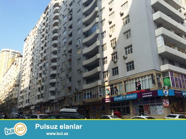 По улице Нахчивани (6-ая паралельная) около Каспиан Бизнес Центра<br /> Продается 3-ех комнатная квартира...