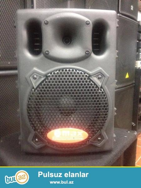 Max 1808 usb aktiv kalonka 2 kanal (yeni istenilen 2 alet veya mikrafon) <br /> lave telefon DVD tulpan, usb (flashkart) vastesi ile hem ev sherayitinde hemde ad gunu shenlikleri xususi karaoke clublar ucun elverishlidir...