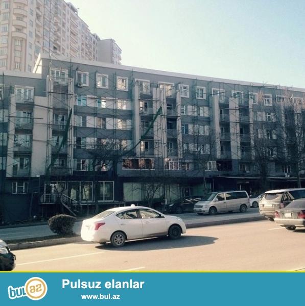 Cдается 3-х комнатная квартира , в центре города, рядом с метро Гянджлик ...