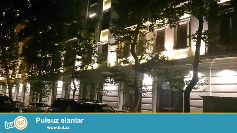 Продается 1 комнатная квартира в центре города, рядом с Кукольным театром...