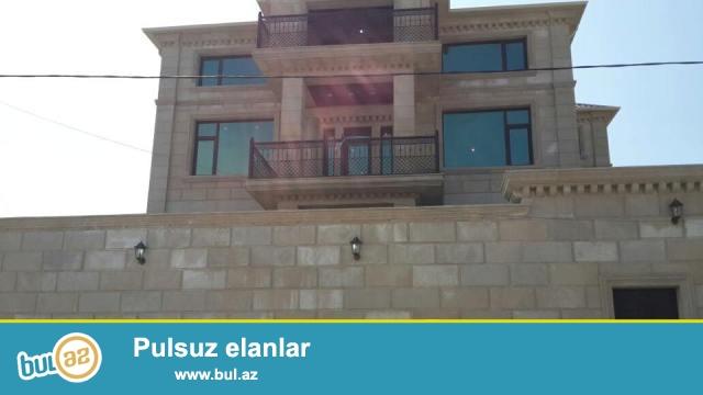 Badamdar qəsəbəsi 3-cü massivin 4 sot torpaq sahəsinin içində tikilmiş 4 mərtəbə + mansarlı 7 otaqlı villa satılır...