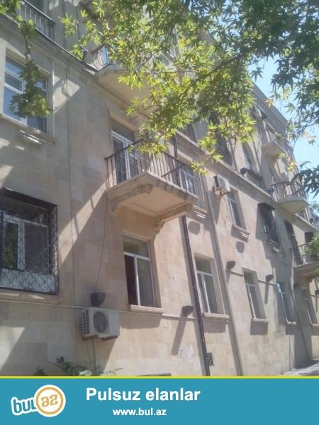 Продается 2-х комнатная квартира, по проспекту Нариманова, около памятника Нариманова, проект сталинка, каменный дом, 3/5, общая площадь 60 кв...
