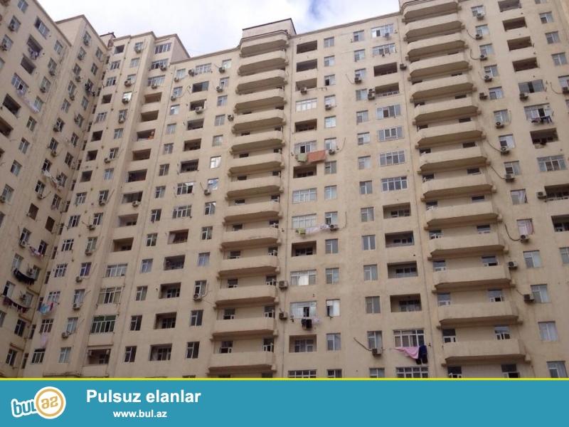 В районе Ени Ясамал, около Беяз маркет, в заселённом, жилом комплексе продается 2-х комн...
