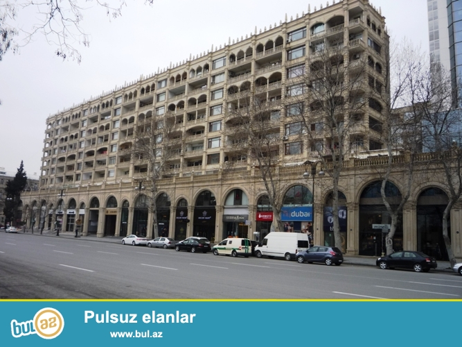 Cдается 3-х комнатная квартира в самом центре города, в Ясамальском районе, рядом с Милли Меджлисом...