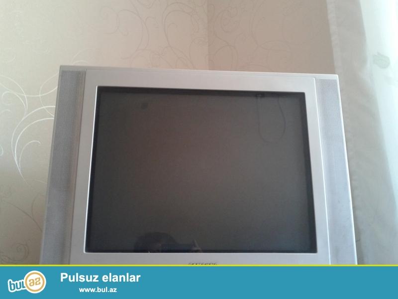 Gumushu rengli 54 ekran samsung tv. cox ela ishleyir.<br />