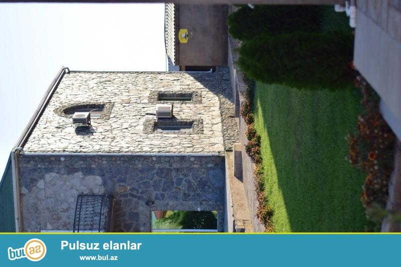 SALAM.Albalida 12 sot uzerinde 2 mertebeli villa.Yay-gis yasamag icin butun serait var...