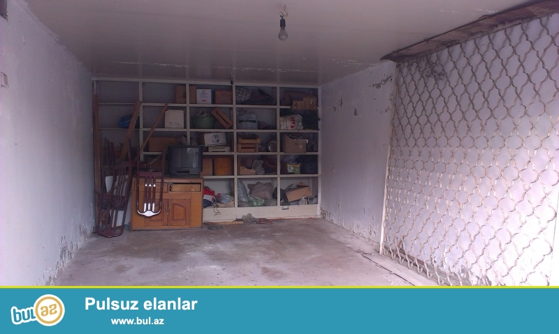Nərimanovda Heydər Əliyev 76 ünvanında göy dəmir qapılı səliqəli daş qaraj kirayə verilir...