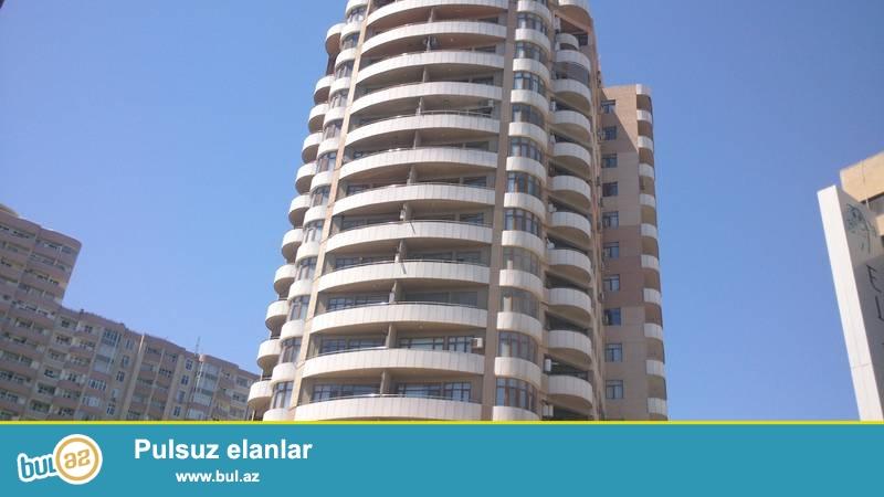 Ясамалський район, около BDU в полностью заселенной новостройке сдаётся 2-х комнатная квартира...