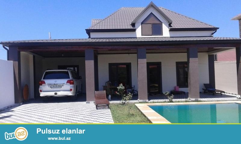 Очень срочно , в очень элитном районе в поселка Бузовна  рядом с  дорогой продаётся  2-х этажный  частный дом, расположенная на 5 сотках земельного участка ...