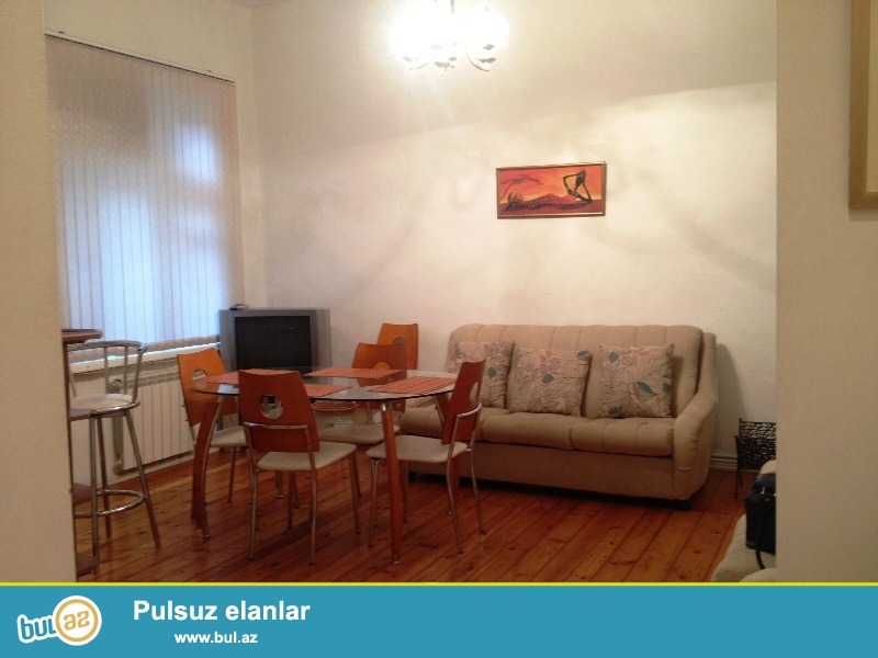 Cдается 3-х комнатная квартира по улице Бакиханова, рядом с АМУ...
