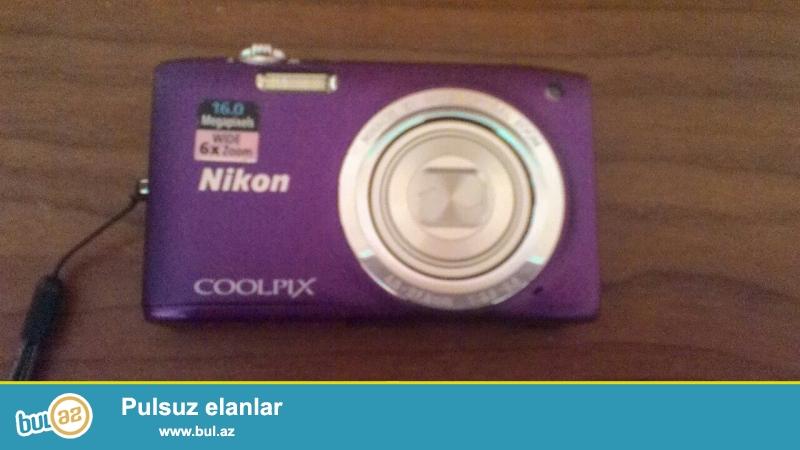 Nikon Coolpix 16megapixel <br /> Hem fotokameradi hemde videokamera<br /> Fotokamera 16mp<br /> Videokamera 720p<br /> Teze kimidi demek olar hec iwledilmeyib
