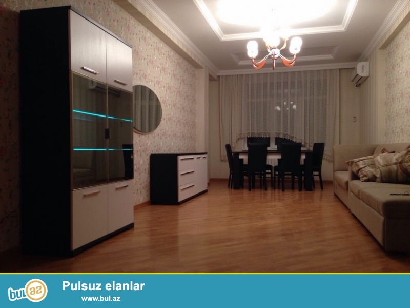 Очень срочно!  ПО улице А.Раджабли рядом с ''Elit''  ,сдается в аренду на долгий срок  3-х комнатная  квартира нового строения  4/16 , с супер  ремонтом , общей площадью 130 квадрат...