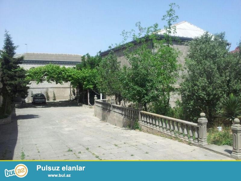 Очень срочно! В посёлке Шувалан  по дороге Тропикано продается , 6-ти комнатный  2-х этажный частный дом с  хорошим ремонтом в стиле классика  расположенный на 10 сотках , площадью 200 кв...