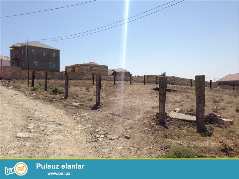 TƏCİLİ 10 Sot Torpaq Satılır ! Ərazisi şəkildə göründüyü kimi beton dirəklərlə hasarlanmışdır...