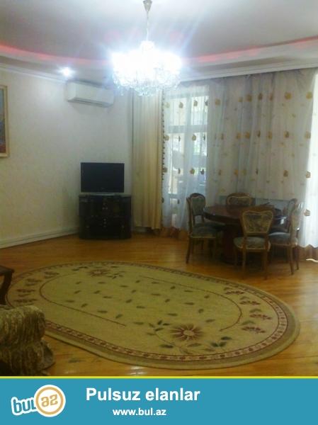 Cдается 4-х комнатная квартира в центре города,по проспекту Строителей, рядом с магазином «Олимп» ...