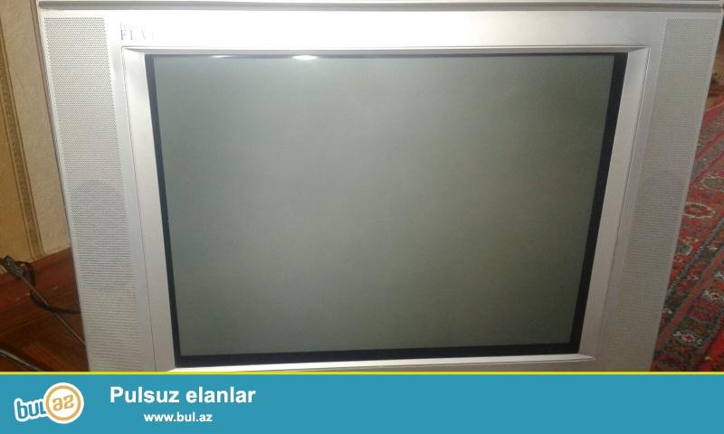 İşlənmiş JVL 51 diaqanal televizor satıram.Evindi az işlənib əla vəziyyətdədi...