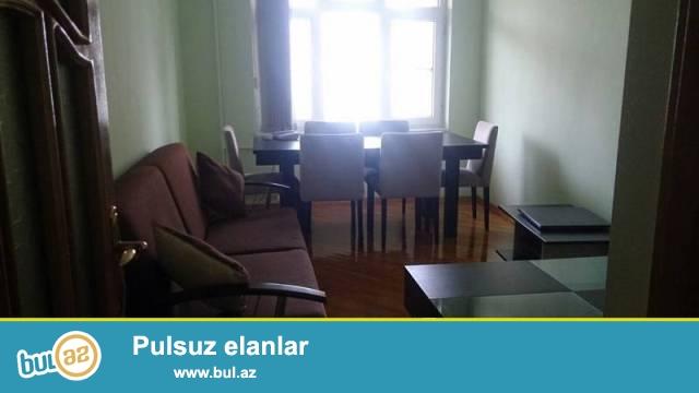 """Səbail rayonu, M.""""İçəri Şəhər"""" yaxınlığında, stalinka layihəli binada 3 otaqlı mənzil kirayə verilir..."""