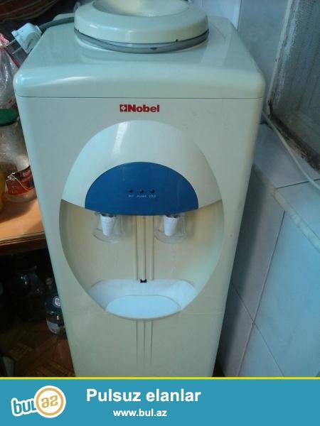 Az işlənmiş su dispenseri satıram. Suyu həm isidir həm də soyudur.Daxilində suyu təmizləyən filteri də var...