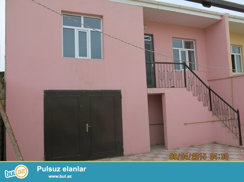 #11#                                                                     <br /> Xırdalanda merkezde 2 mertebe 3 otaqlı heyet evı satılır 75...