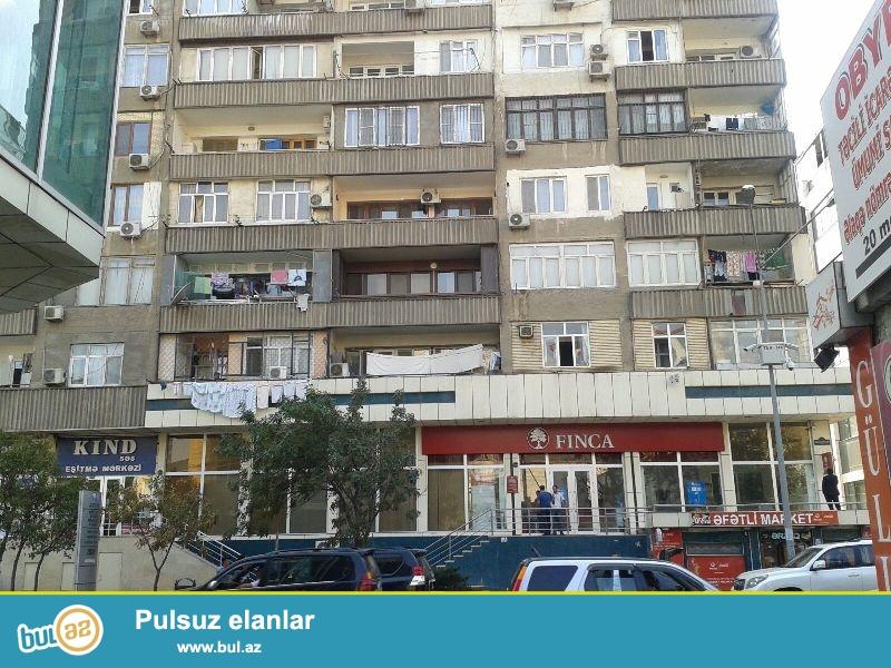 Продается 3-х комнатная квартира, вблизи метро Гянджлик, по улице Ф...