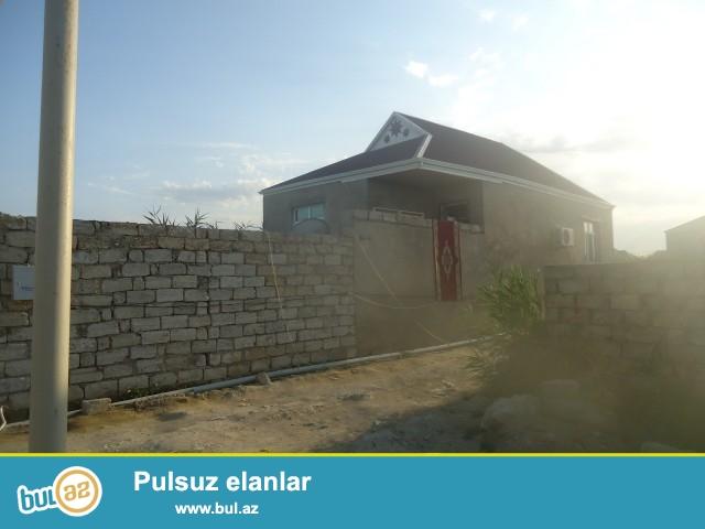 Sabunçu rayonu Zabrat 2 qəsəbəsində 71 saylı məktəbdən 300mt, 148№li marşuruta 250 mt məsafdə 1...