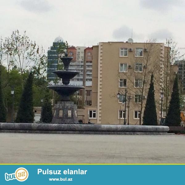За «Port Baku», около «Гагаринского моста» продаётся расширенная 3-х комнатная квартира «ленинградский» каменный дом, 5/4, общ...
