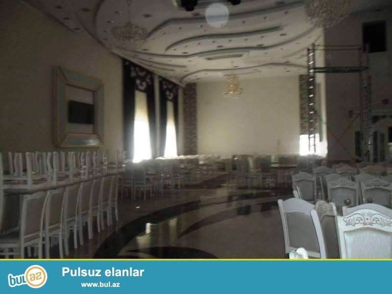Yeni Yasamalda şadlıq sarayı satılır. 3 zalı-350,150 80 nəfərlik zalları var- 600kvm tikilisi- 2...