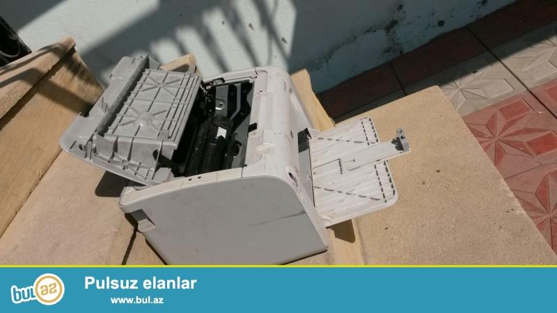 Islenmis printer normal veziyyetde katricleri doludu yaxsida cixardir...
