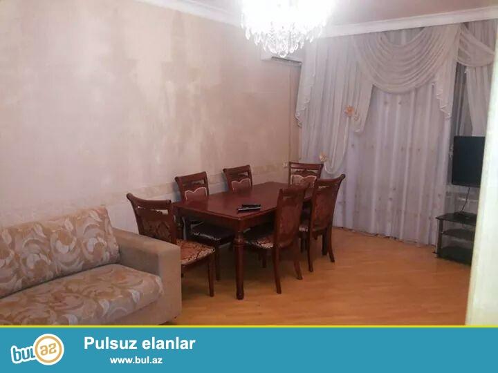 Cдается 4-х комнатная квартира в центре города, по проспекту Тбилиси, в Химгородке ...